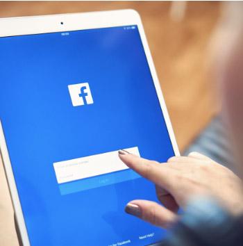 anuncios de Facebook en una tablet